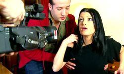 Mignonne secrétaire filmée à son insu et baisée par son boss