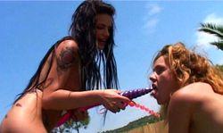 Trio de lesbiennes en chaleur
